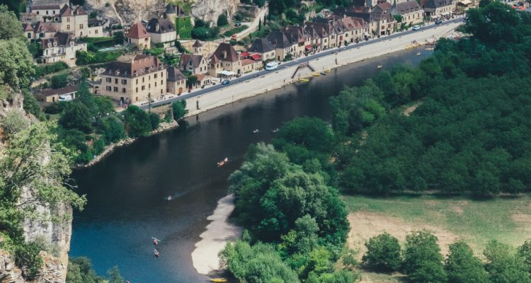Se baigner en rivière en Dordogne