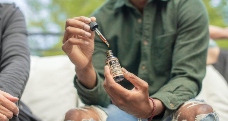 Comment utiliser l'huile de CBD contre les troubles de l'érection ?